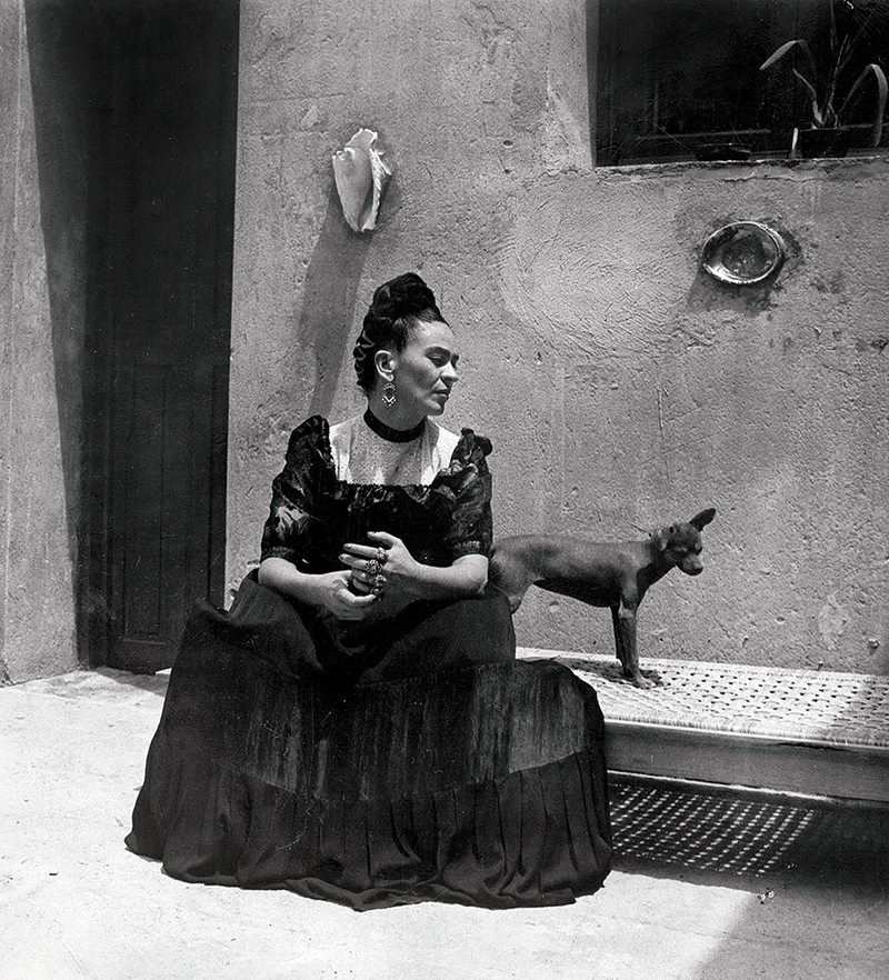 Frida-Kahlo-with dog